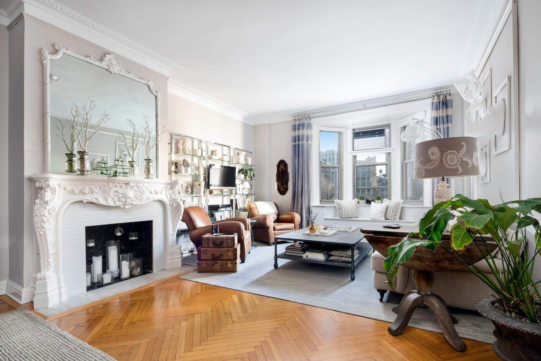 1. Condominiums for Sale at 36 Gramercy Park East, 7W Gramercy Park, New York, NY 10003