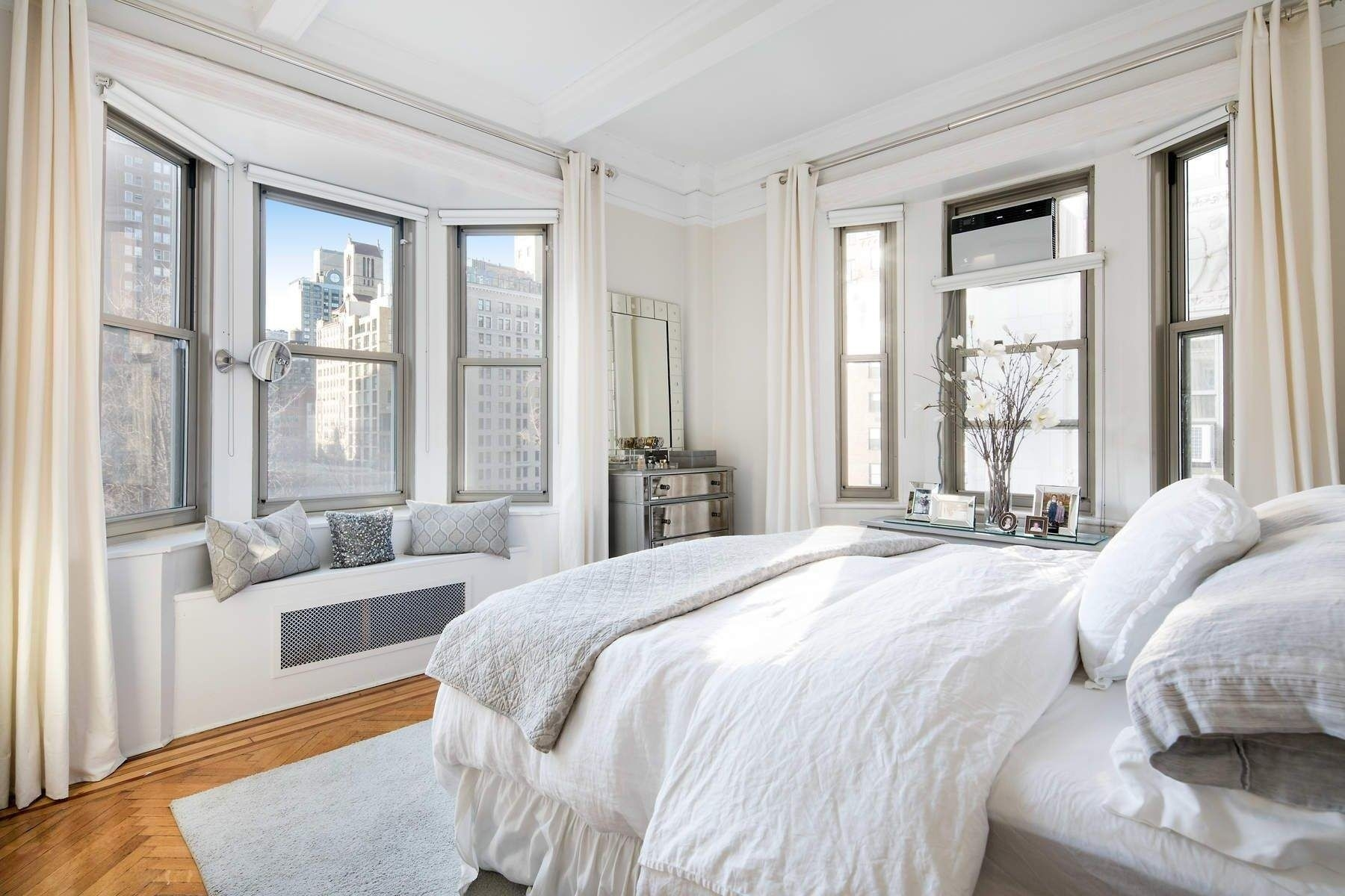 4. Condominiums for Sale at 36 Gramercy Park East, 7W Gramercy Park, New York, NY 10003