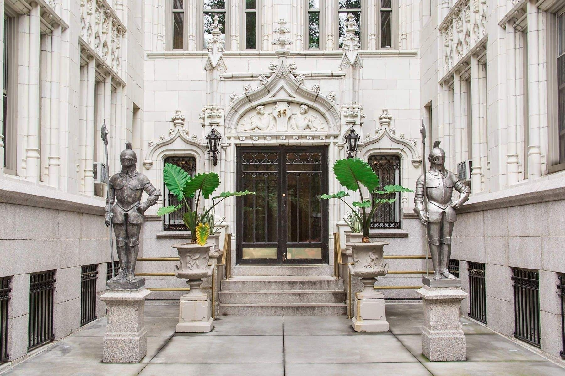 13. Condominiums for Sale at 36 Gramercy Park East, 7W Gramercy Park, New York, NY 10003
