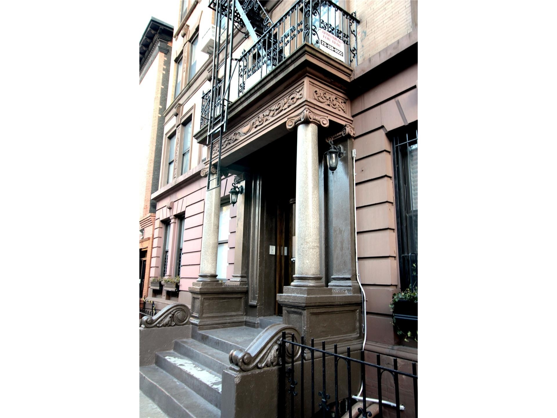 3. edificio en 346 East 18th St, Gramercy Park, New York, NY