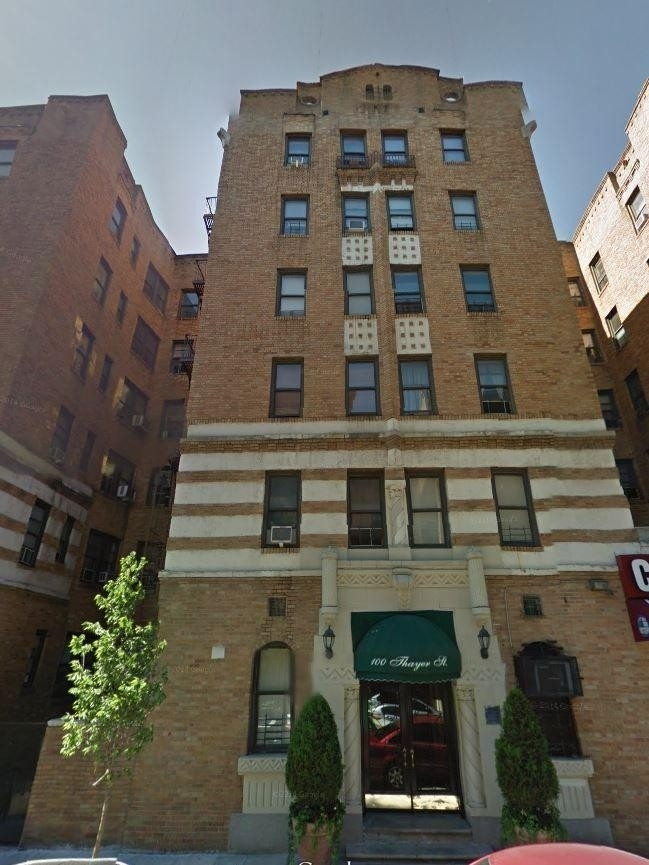 1. edificio en 100 Thayer St, Fort George, New York, NY