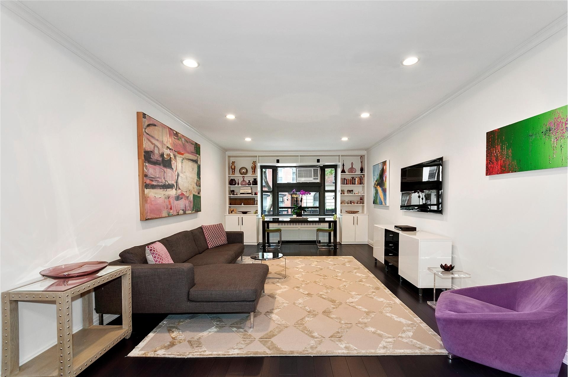 Property at 225 East 74th St, 1E Upper East Side, New York