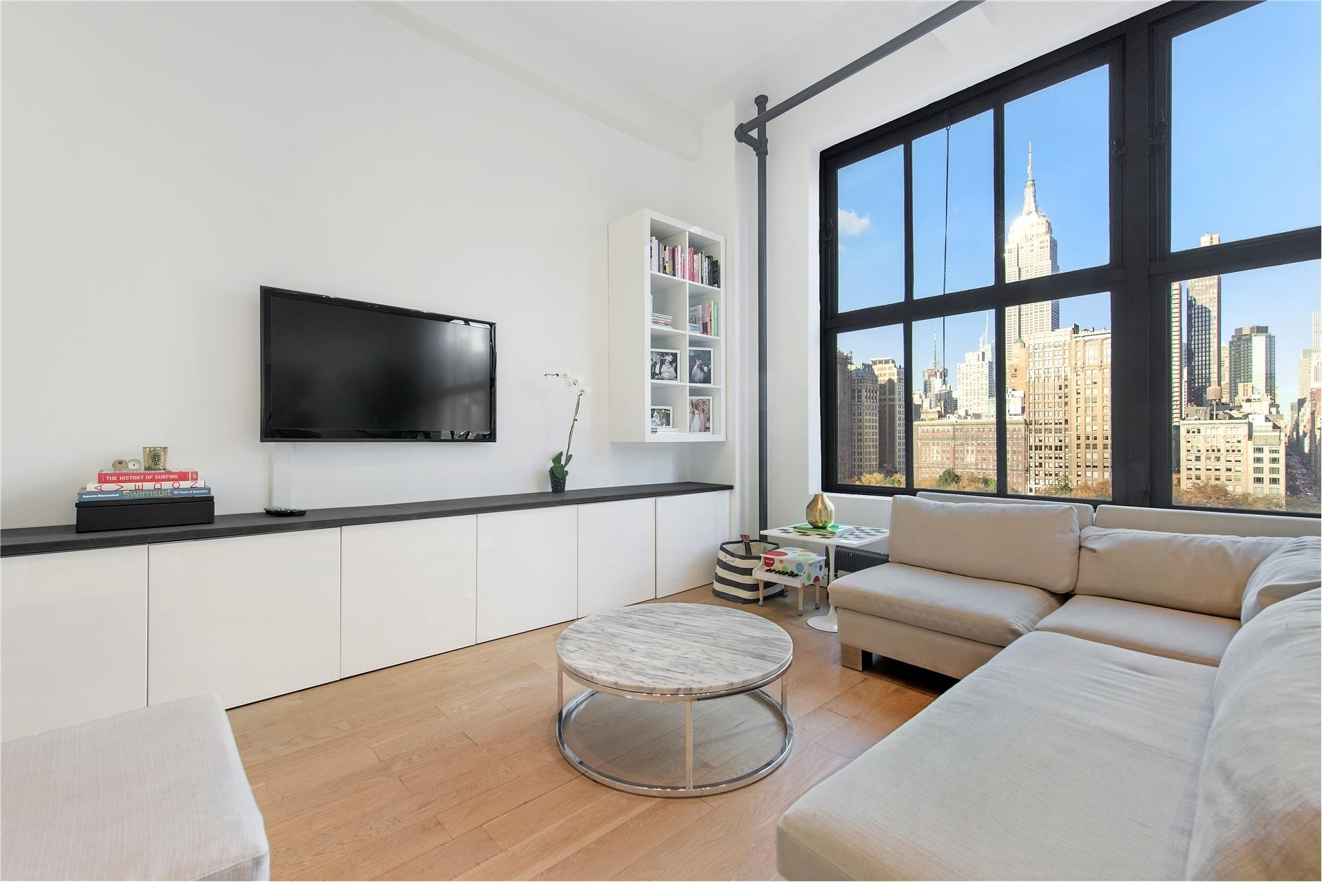 2. 13 21 E 22 St Resid. Corp建於21 East 22nd St, Flatiron District, 纽约, NY