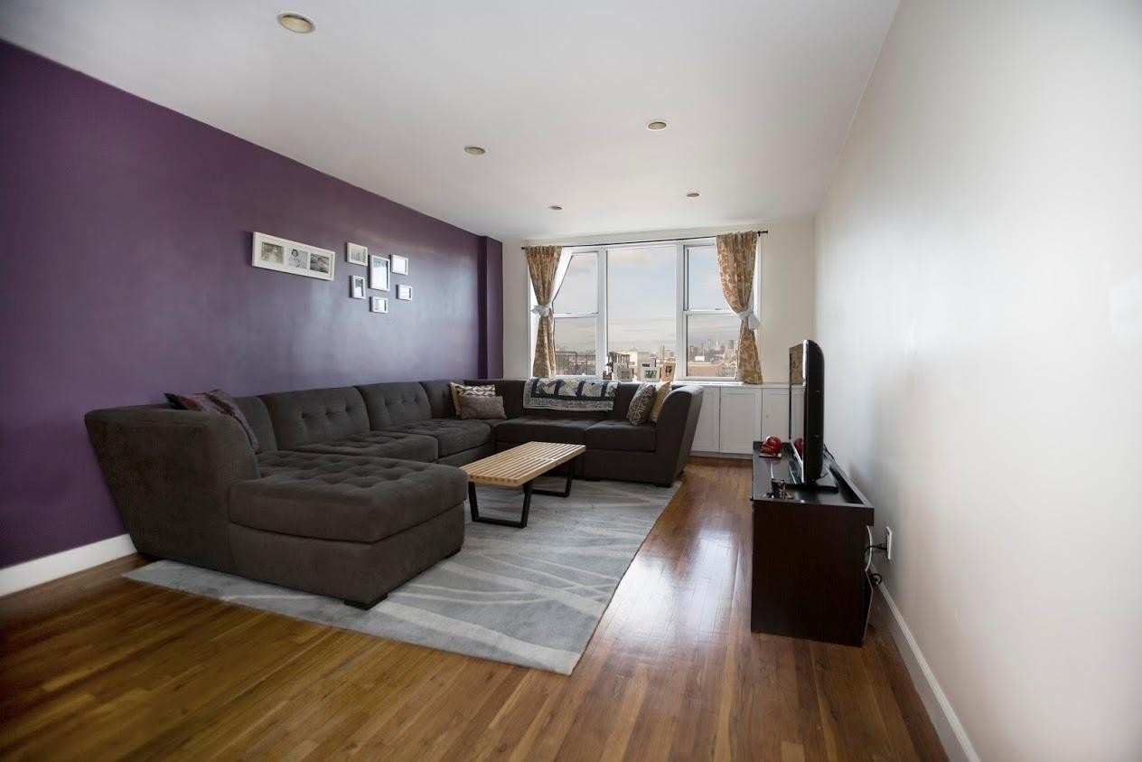 Property at 50-15 39th St, 4D Queens