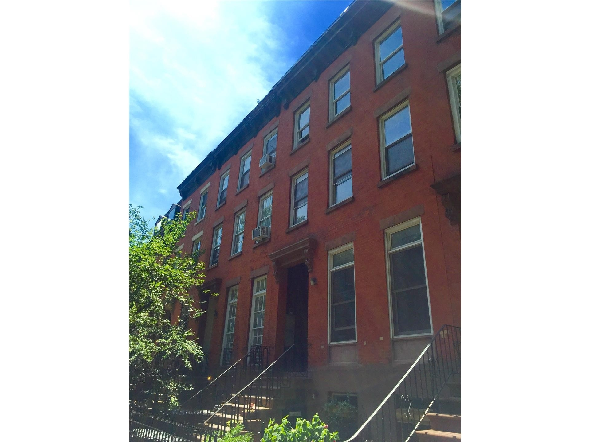 1. edificio en 100 Bergen St, Boerum Hill, Brooklyn, NY