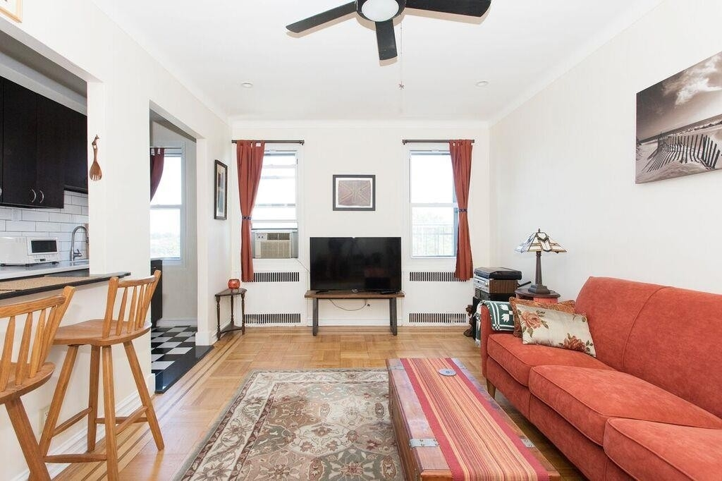 Property at 192 East 8th St, 6D Brooklyn