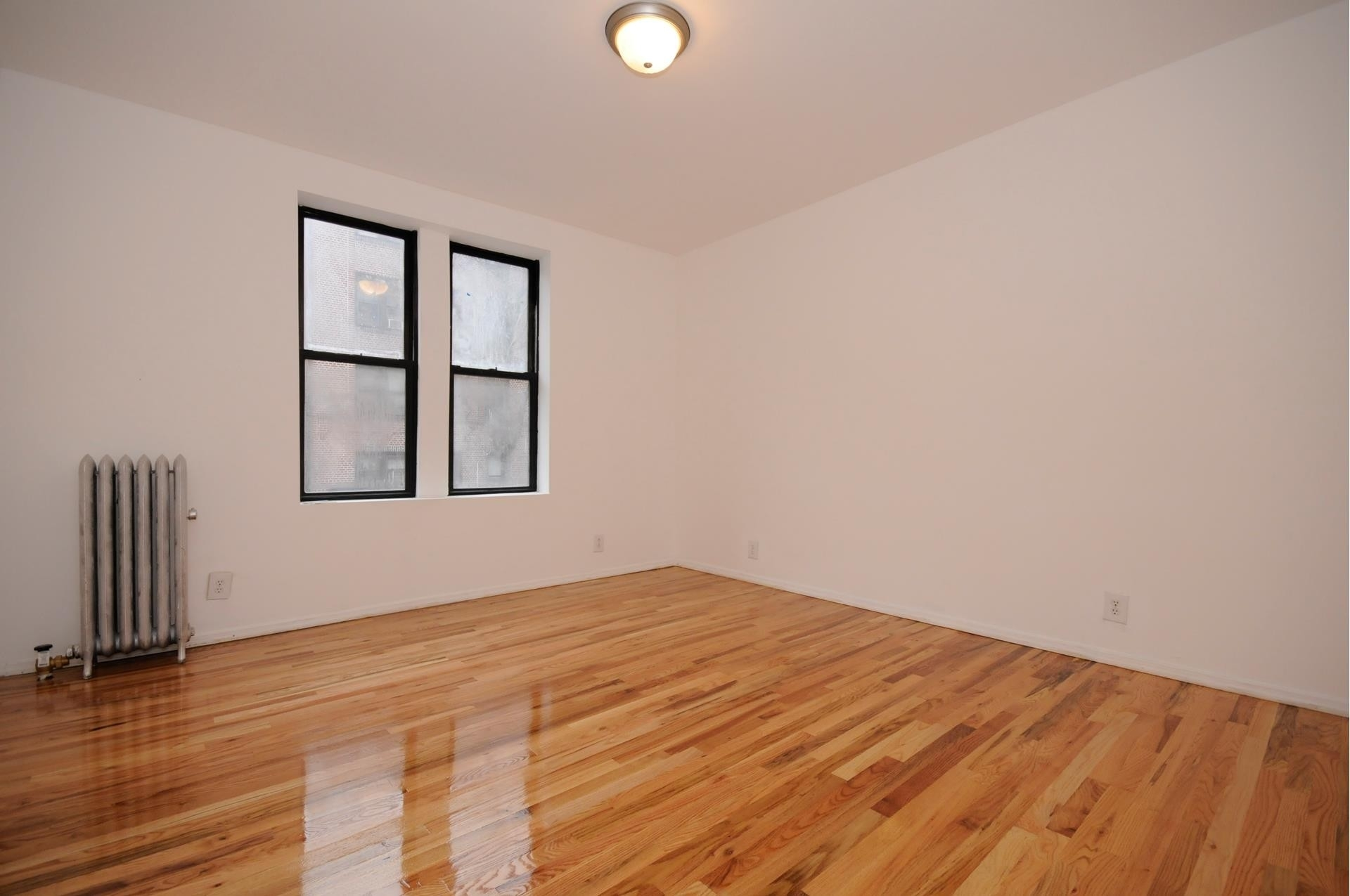 2. edificio en 859 42nd St, Sunset Park, Brooklyn, NY