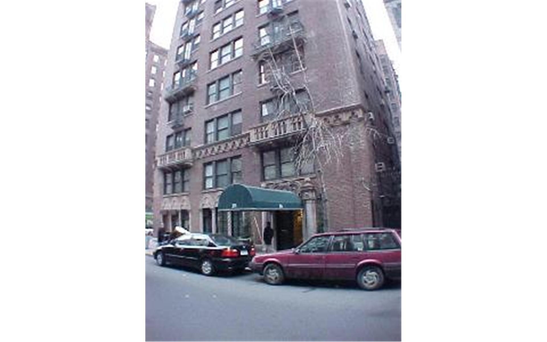 1. The Beauclaire здание в 26 East 10th St, Downtown Manhattan, New York, NY
