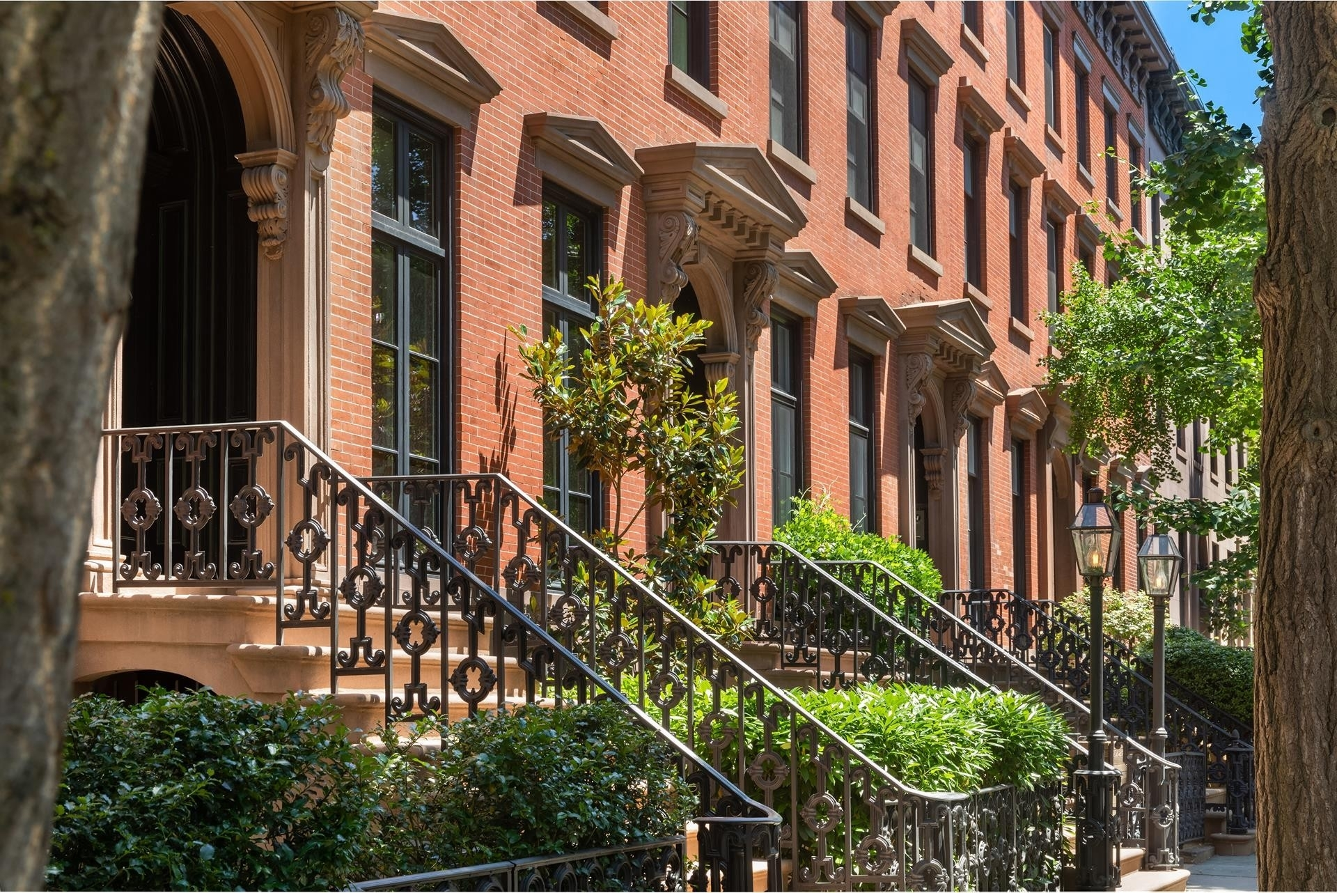 28. Single Family Townhouse for Sale at West Village, New York, NY 10014