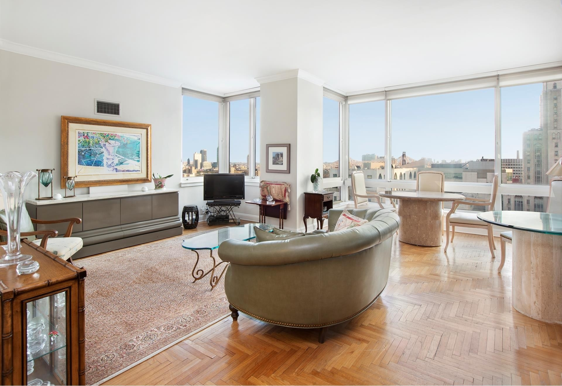 Condominium в THE BELAIRE, 524 East 72nd St, 27C New York