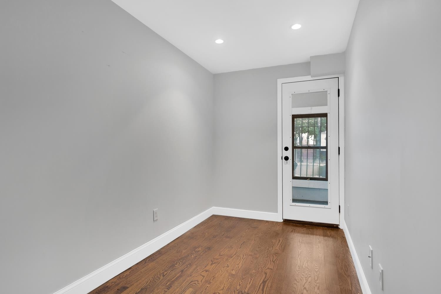 4. Multi Family Townhouse в 695 Sterling Pl, 1 Brooklyn
