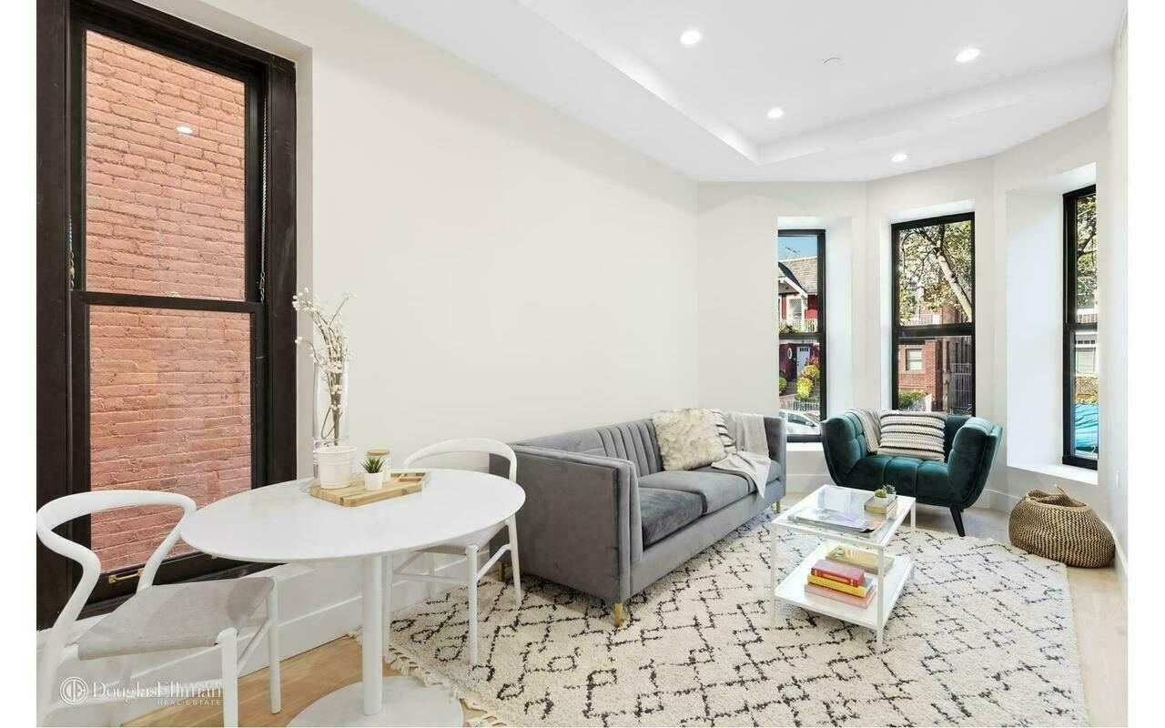 Condominium для того Продажа на 1090 Carroll St, 3F Crown Heights, Brooklyn, NY 11225