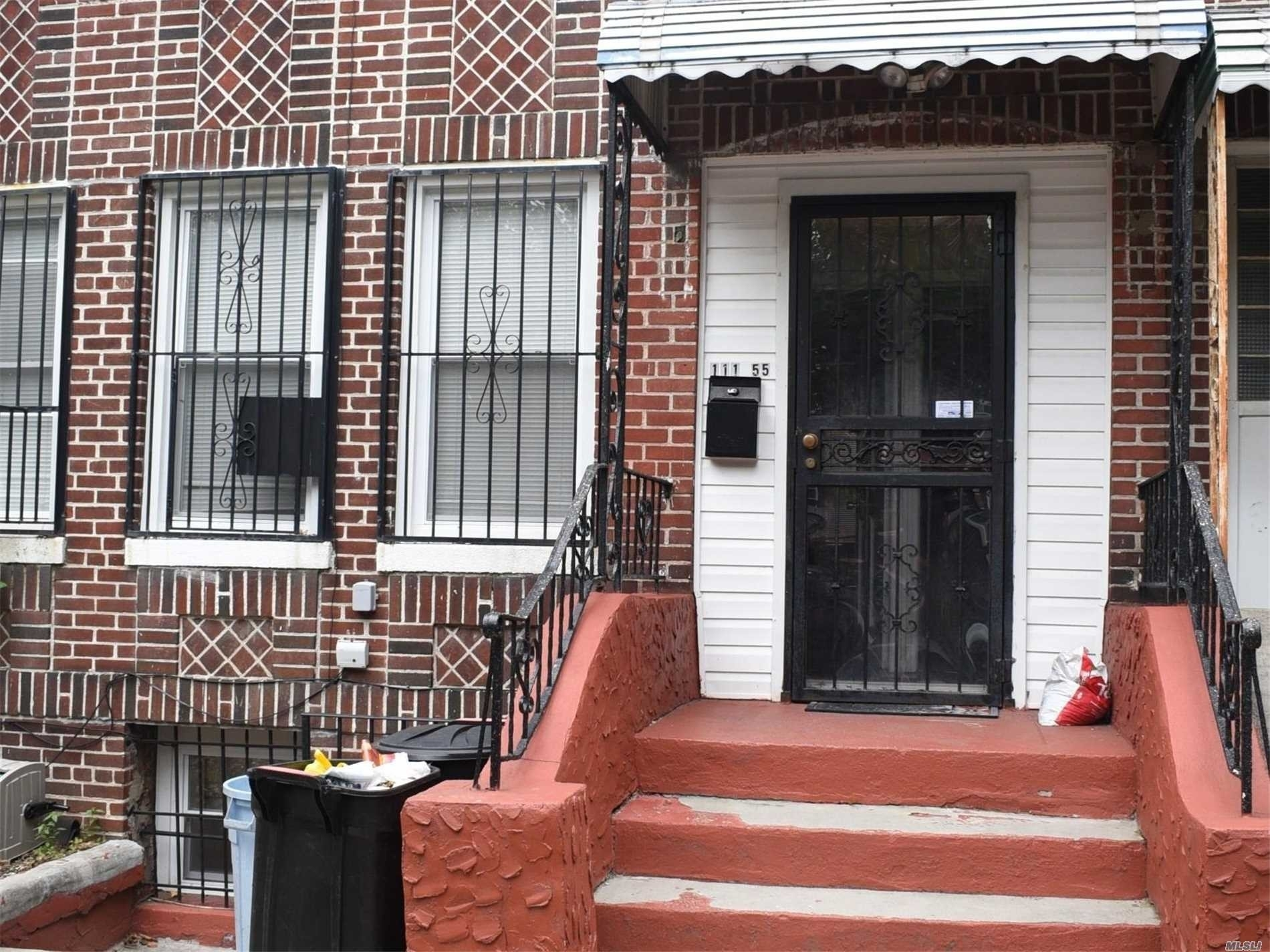 1. Single Family Homes в Queens