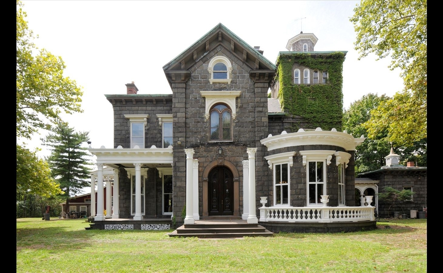 2. THE STEINWAY MANSION建於18-33 41st St, Astoria, Queens, NY