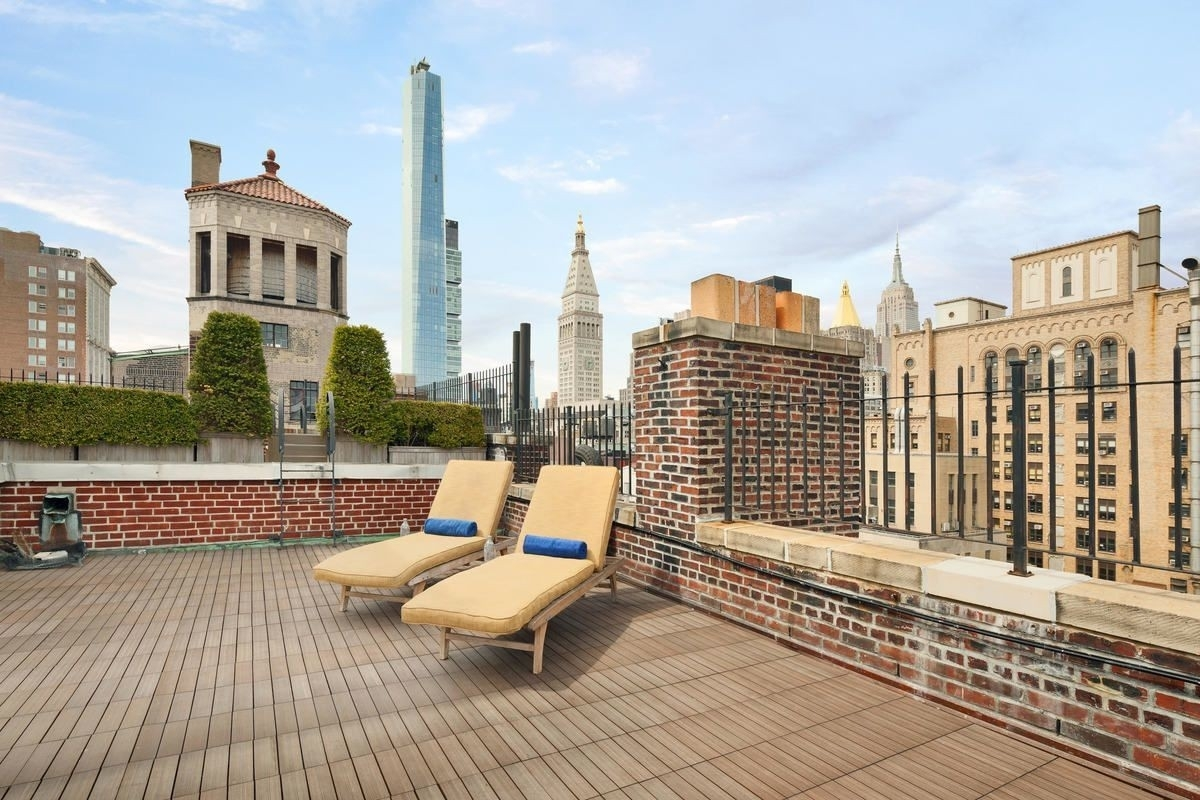 6. Co-op Properties for Sale at GRAMERCY OWNERS LTD, 44 Gramercy Park North, 4D Gramercy Park, New York, NY 10010