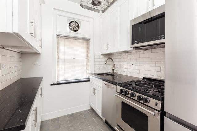 4. Co-op Properties for Sale at GRAMERCY OWNERS LTD, 44 Gramercy Park North, 4D Gramercy Park, New York, NY 10010
