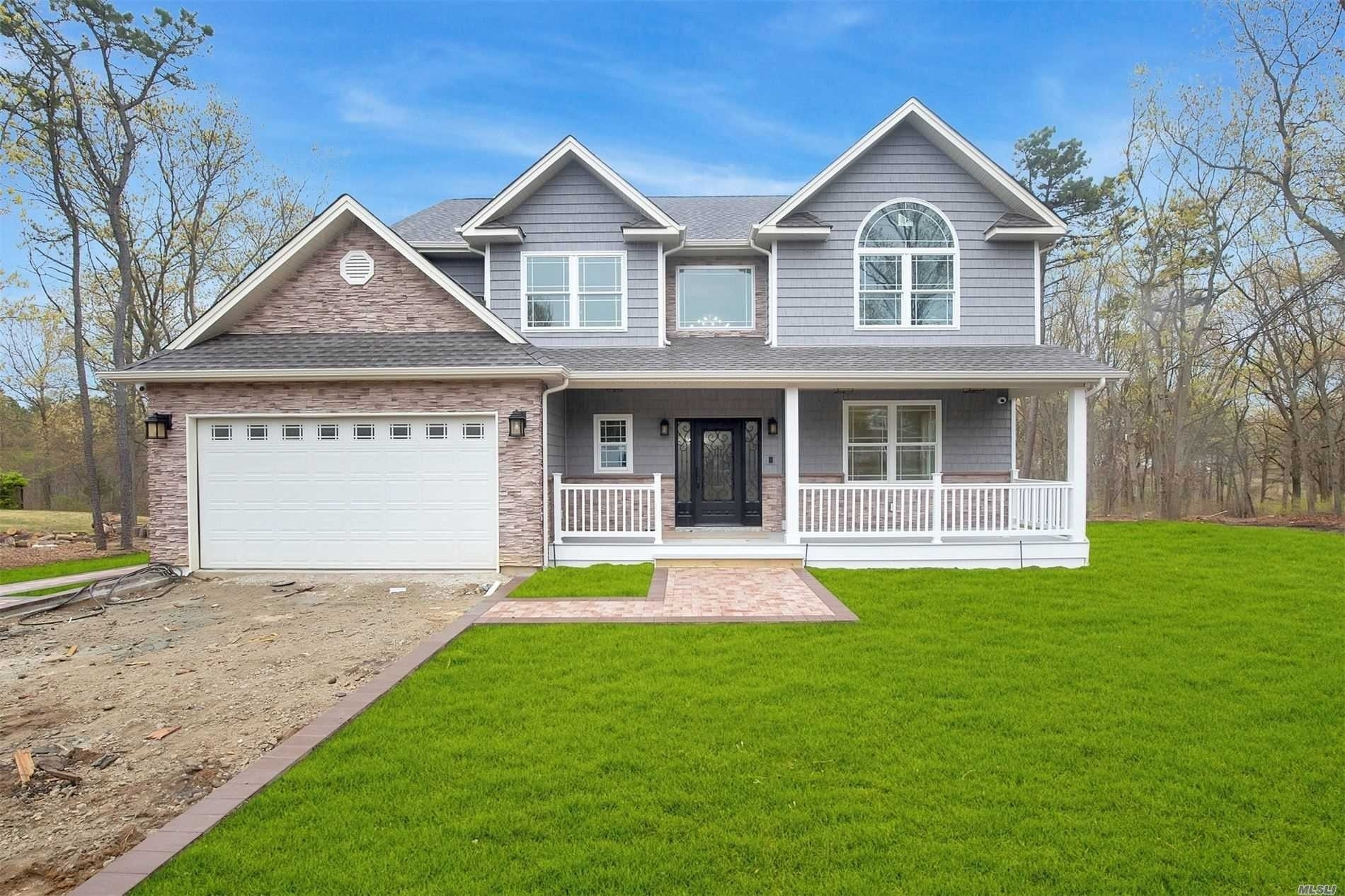 Single Family Home for Sale at Miller Place, NY 11764