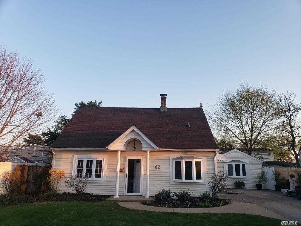 Single Family Home at Levittown