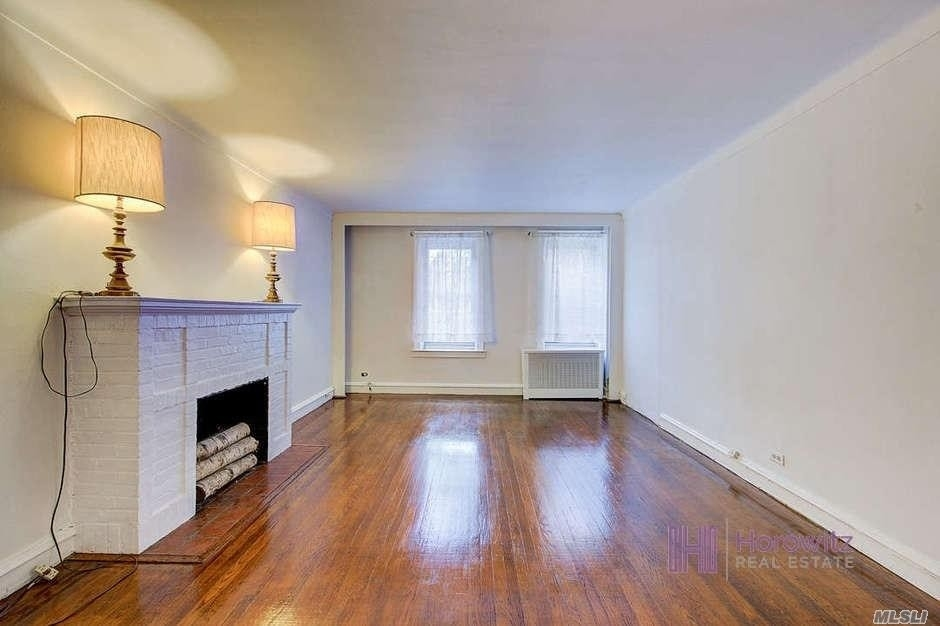 5. Co-op Properties for Sale at 150 Burns St , 2D Forest Hills, Queens, NY 11375