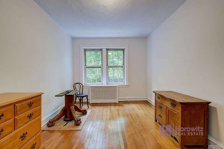 14. Co-op Properties for Sale at 150 Burns St , 2D Forest Hills, Queens, NY 11375