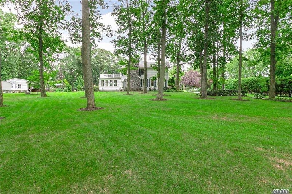 15. Single Family Homes for Sale at Nissequogue, NY 11780