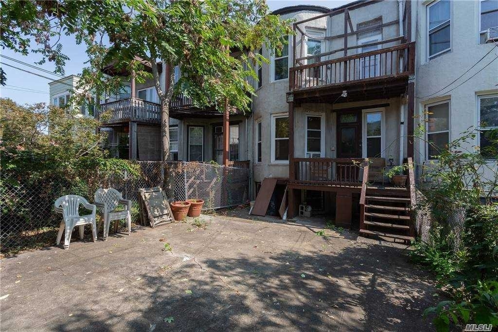 16. Multi Family Townhouse for Sale at Glendale, Queens, NY 11385