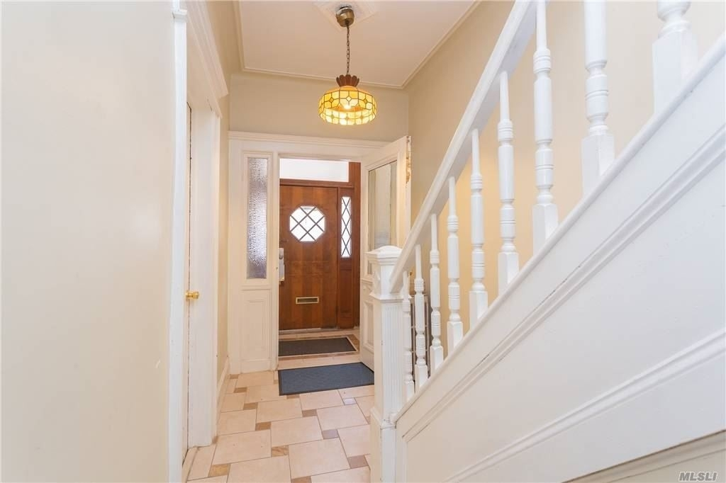 4. Multi Family Townhouse for Sale at Glendale, Queens, NY 11385
