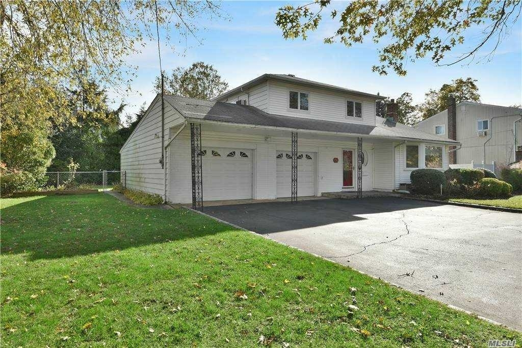 Single Family Home for Sale at Bethpage, NY 11714