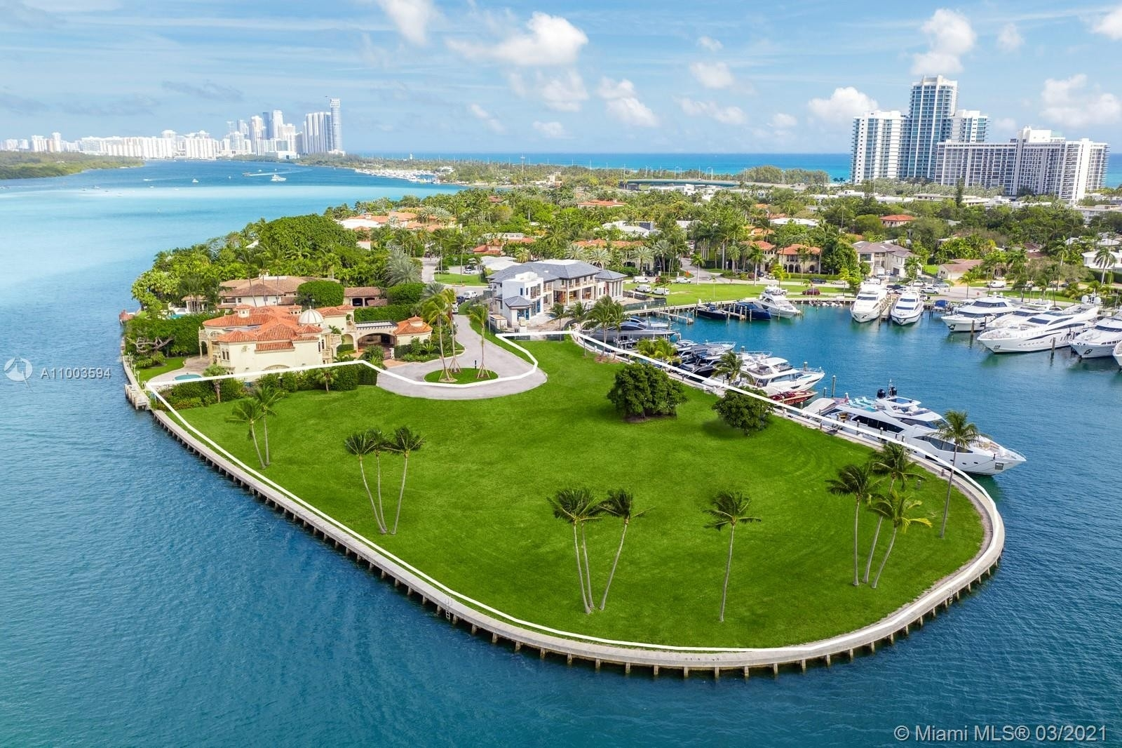 3. Single Family Homes for Sale at Bal Harbour, FL 33154
