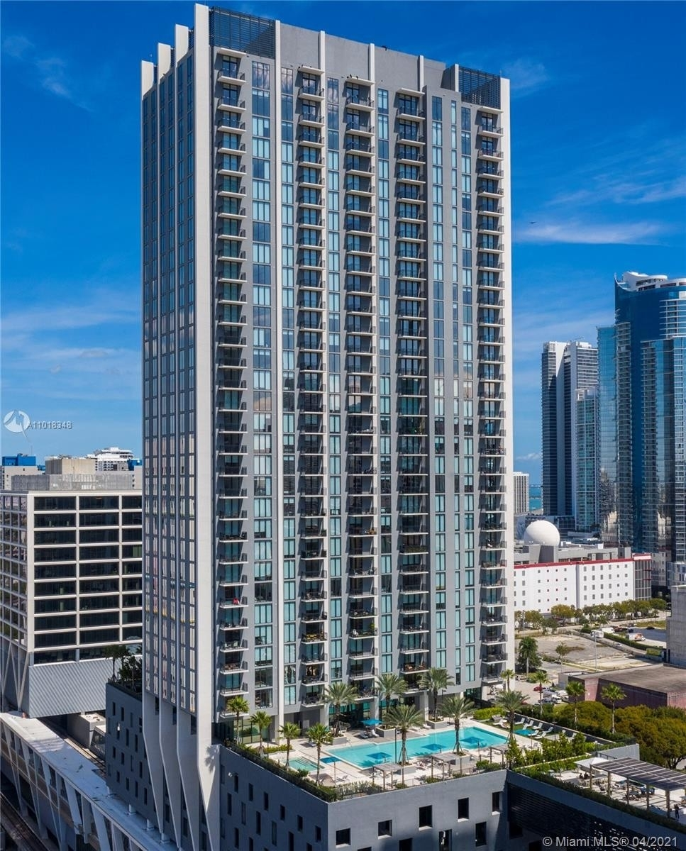 20. Condominiums at 100 NW 6th Street , PH4401 Miami