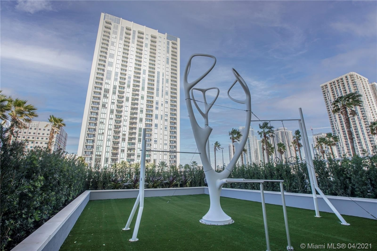 30. Condominiums at 100 NW 6th Street , PH4401 Miami