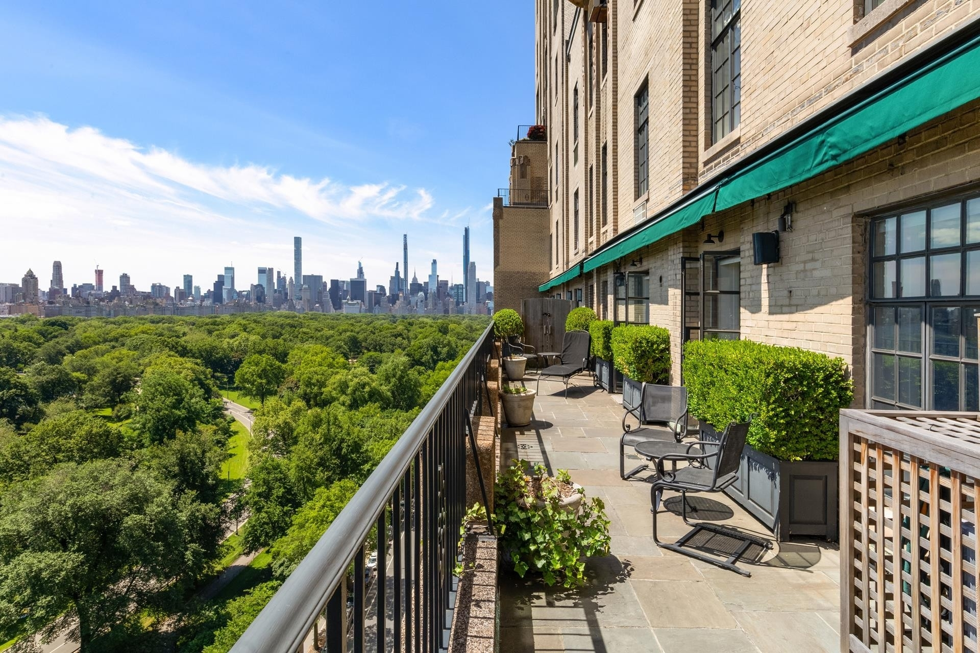 8. Co-op Properties 為 特賣 在 EL DORADO, 300 Central Park West, 15/16F 上西区, 纽约, NY 10024