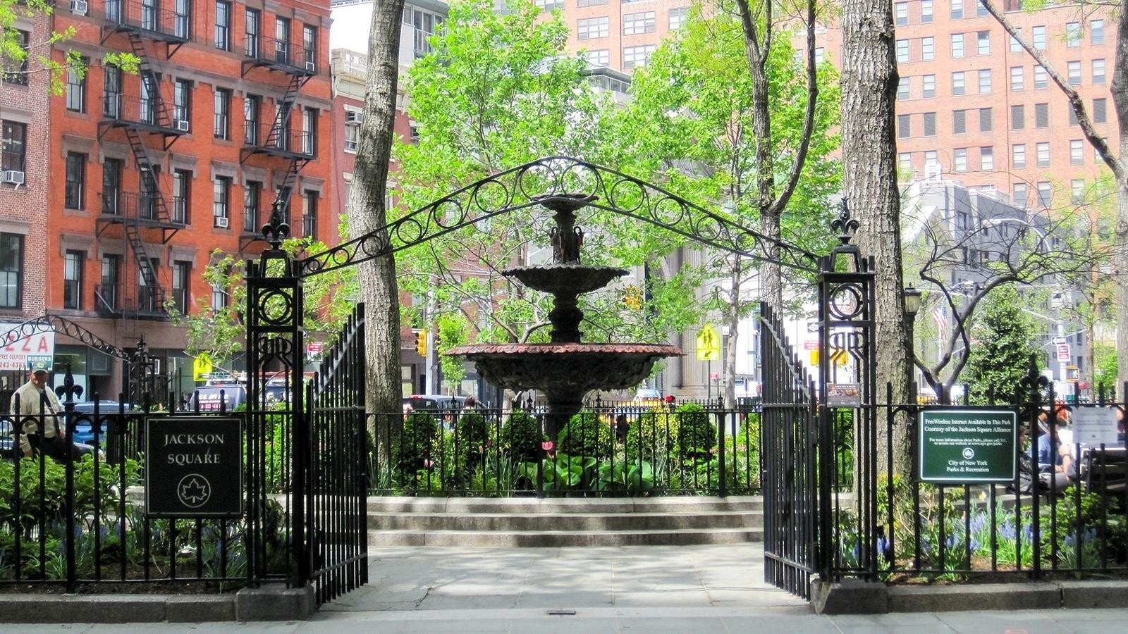 8. Co-op Properties por un Venta en 2 Horatio St, 17R West Village, New York, NY 10014