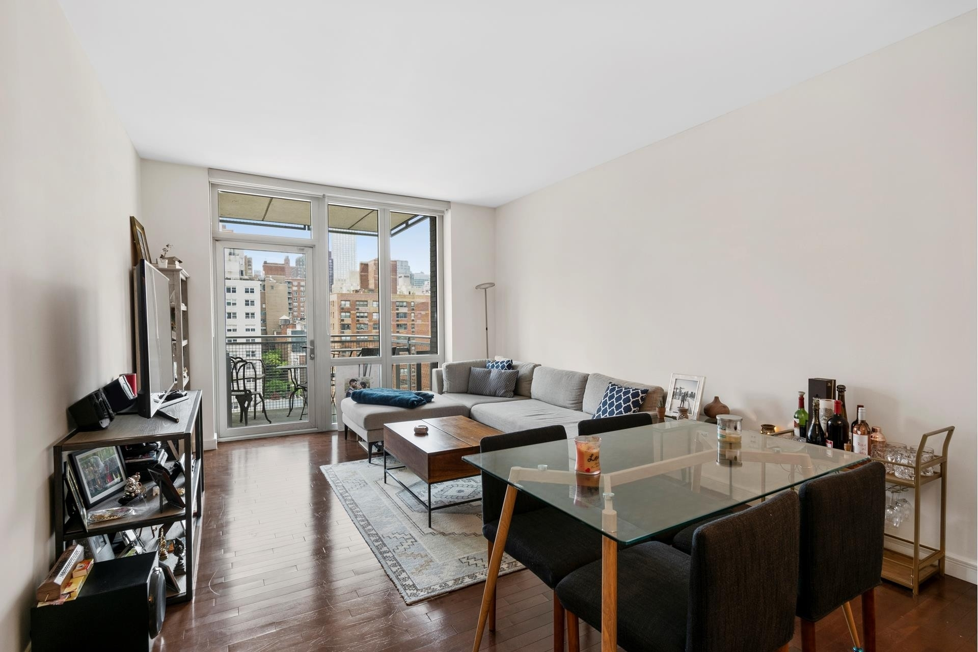 Condominium at The Charleston, 225 East 34th St, 14D Murray Hill, New York