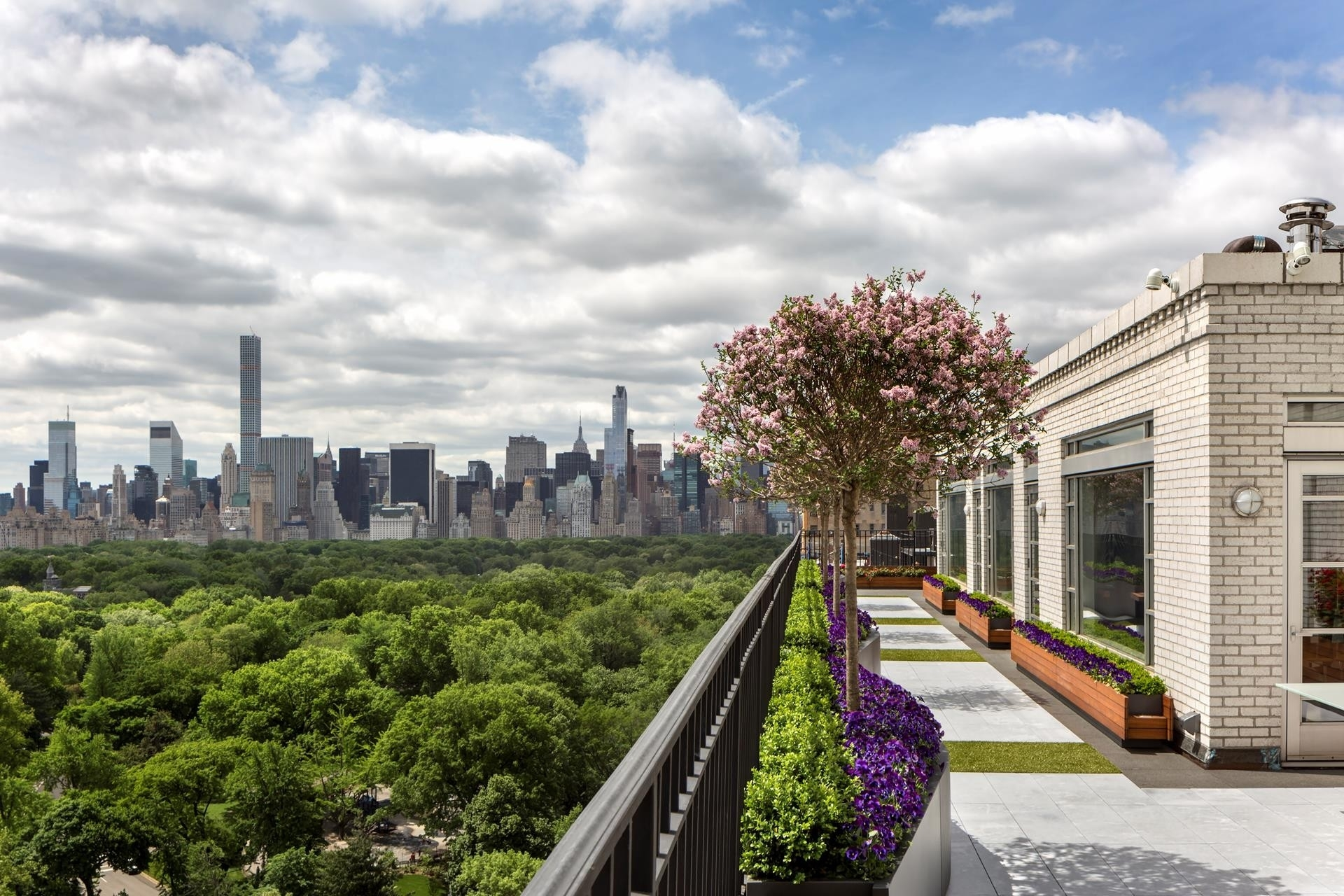 2. Co-op Properties for Sale at The White House, 262 Central Park West, PHS Upper West Side, New York, NY 10024