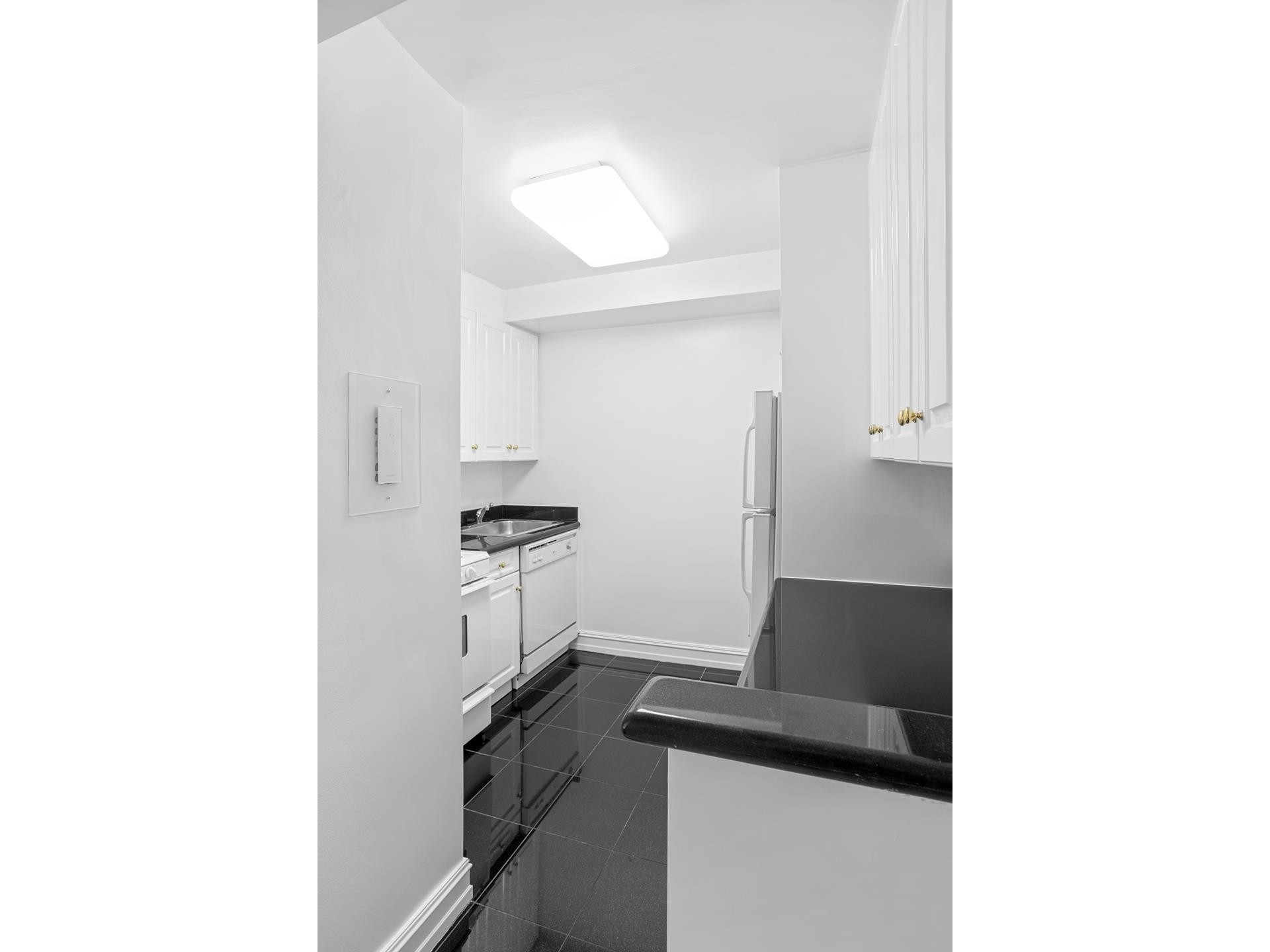 3. Rentals at 225 East 70th St, 7A New York