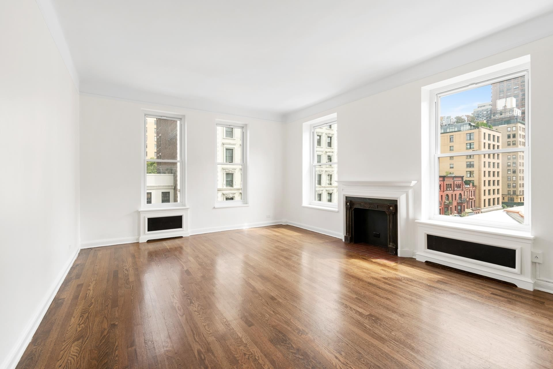 1. Co-op Properties at 26 East 93rd St, 5AB Carnegie Hill, New York