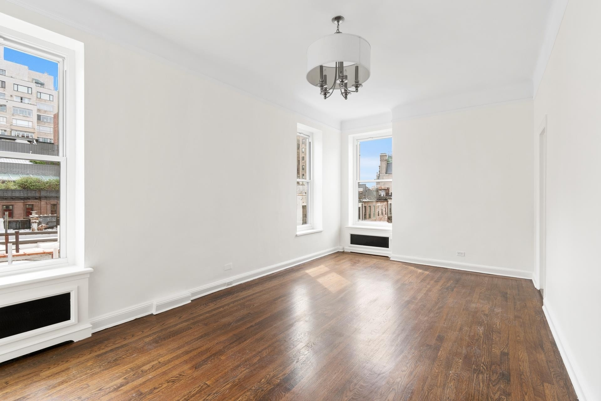 4. Co-op Properties at 26 East 93rd St, 5AB Carnegie Hill, New York