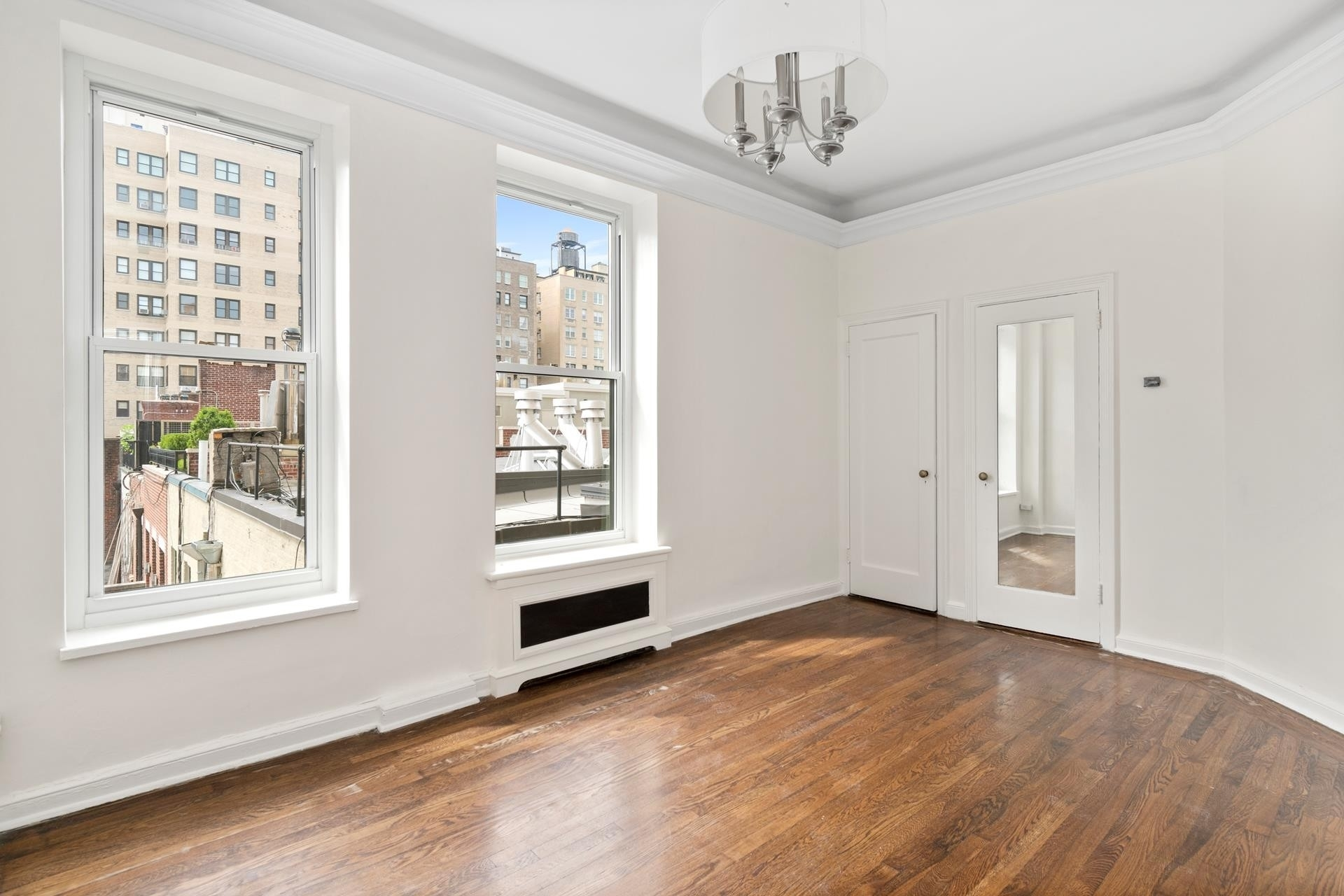 8. Co-op Properties at 26 East 93rd St, 5AB Carnegie Hill, New York