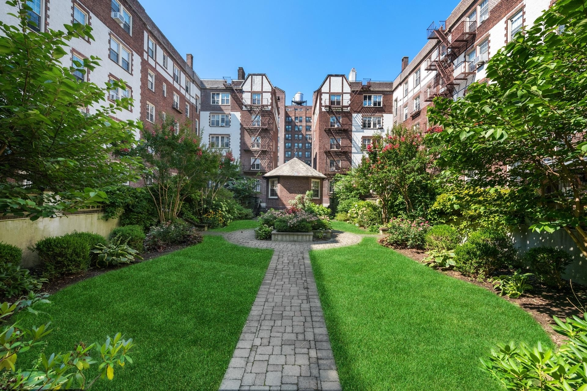 18. Condominiums for Sale at 83-09 Talbot Street, 2P Kew Gardens, Queens, NY 11415