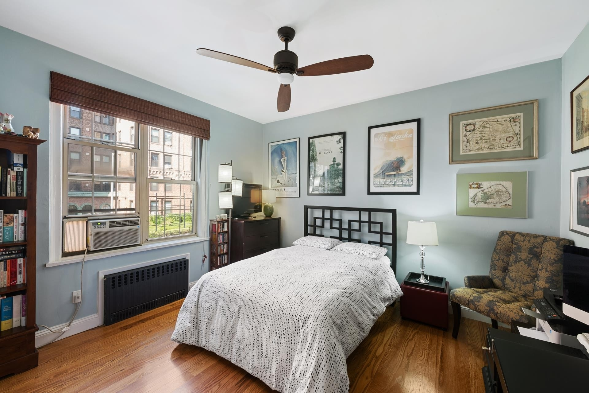 13. Condominiums for Sale at 83-09 Talbot Street, 2P Kew Gardens, Queens, NY 11415