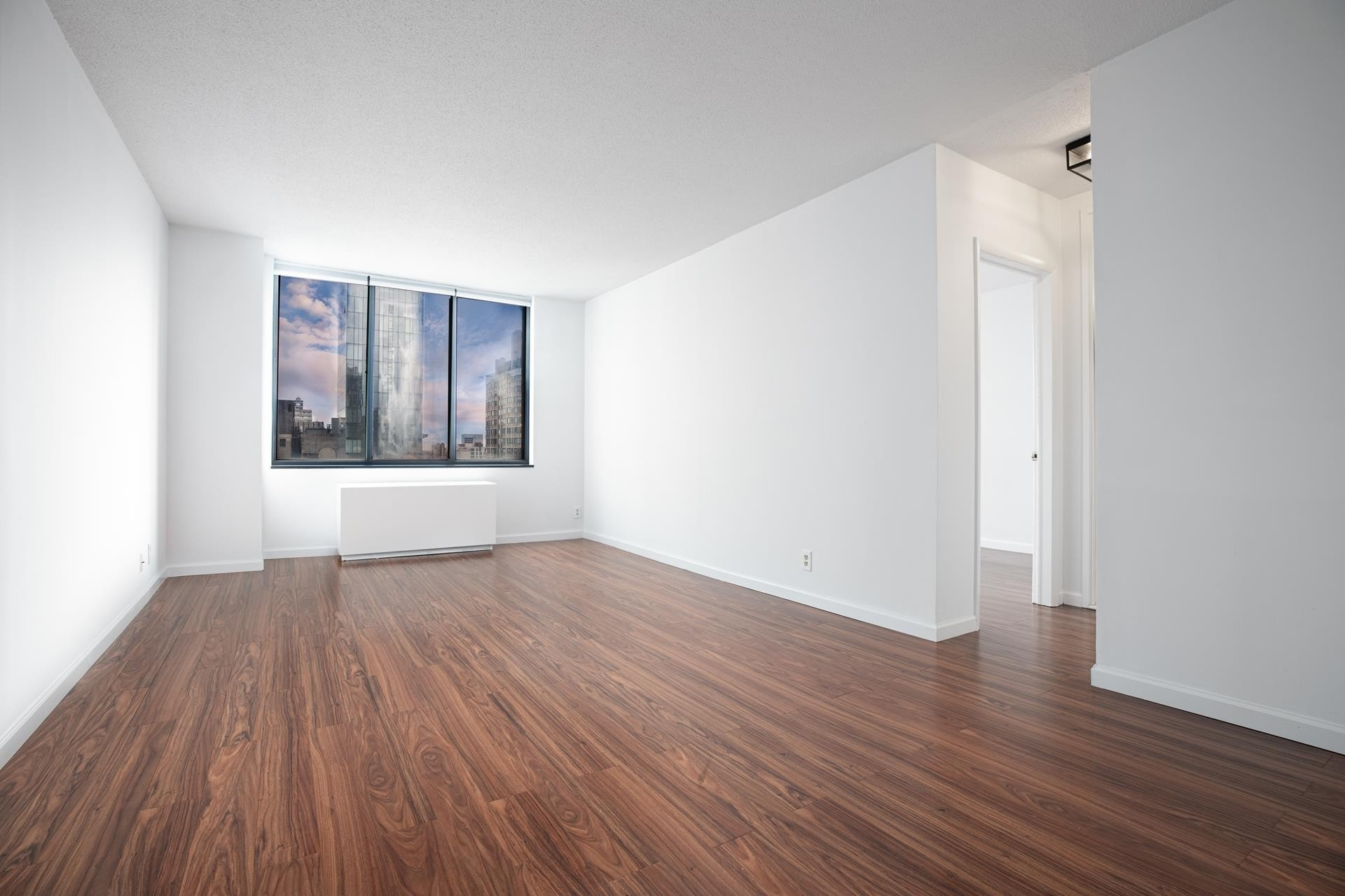 Condominium at MADISON GREEN, 5 East 22nd St, 22B Flatiron District, New York, NY 10010