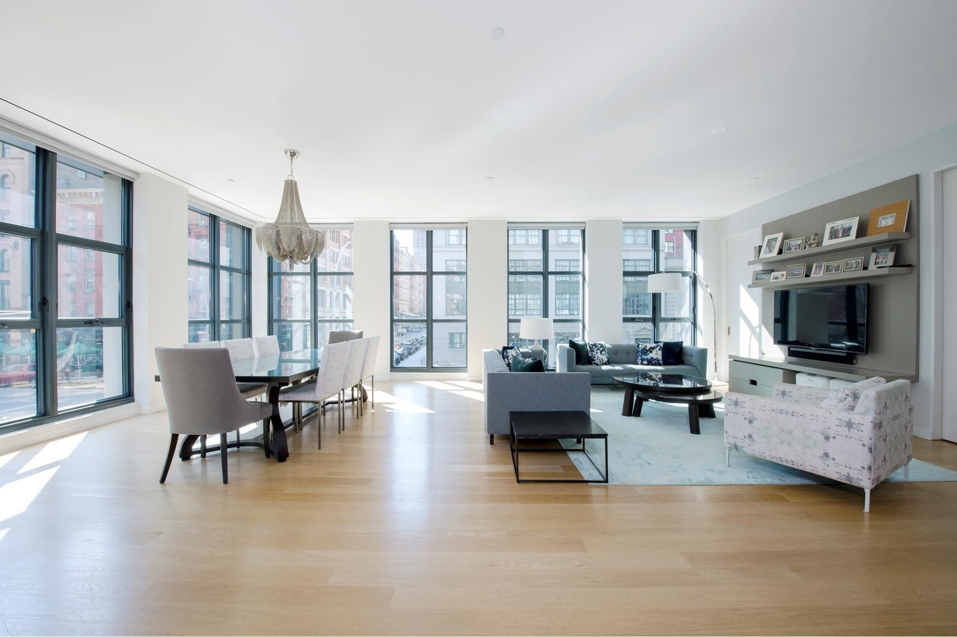 4. Condominiums for Sale at 11 North Moore St, 2C TriBeCa, New York, NY 10013