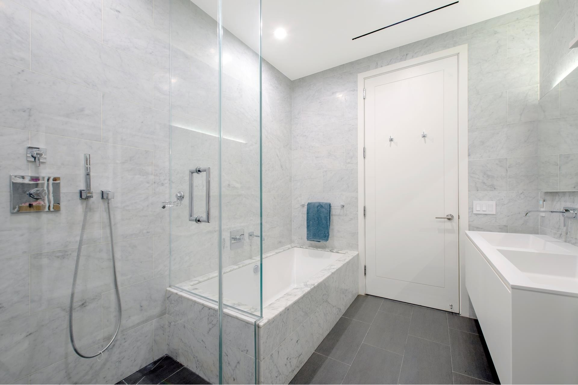8. Condominiums for Sale at 11 North Moore St, 2C TriBeCa, New York, NY 10013