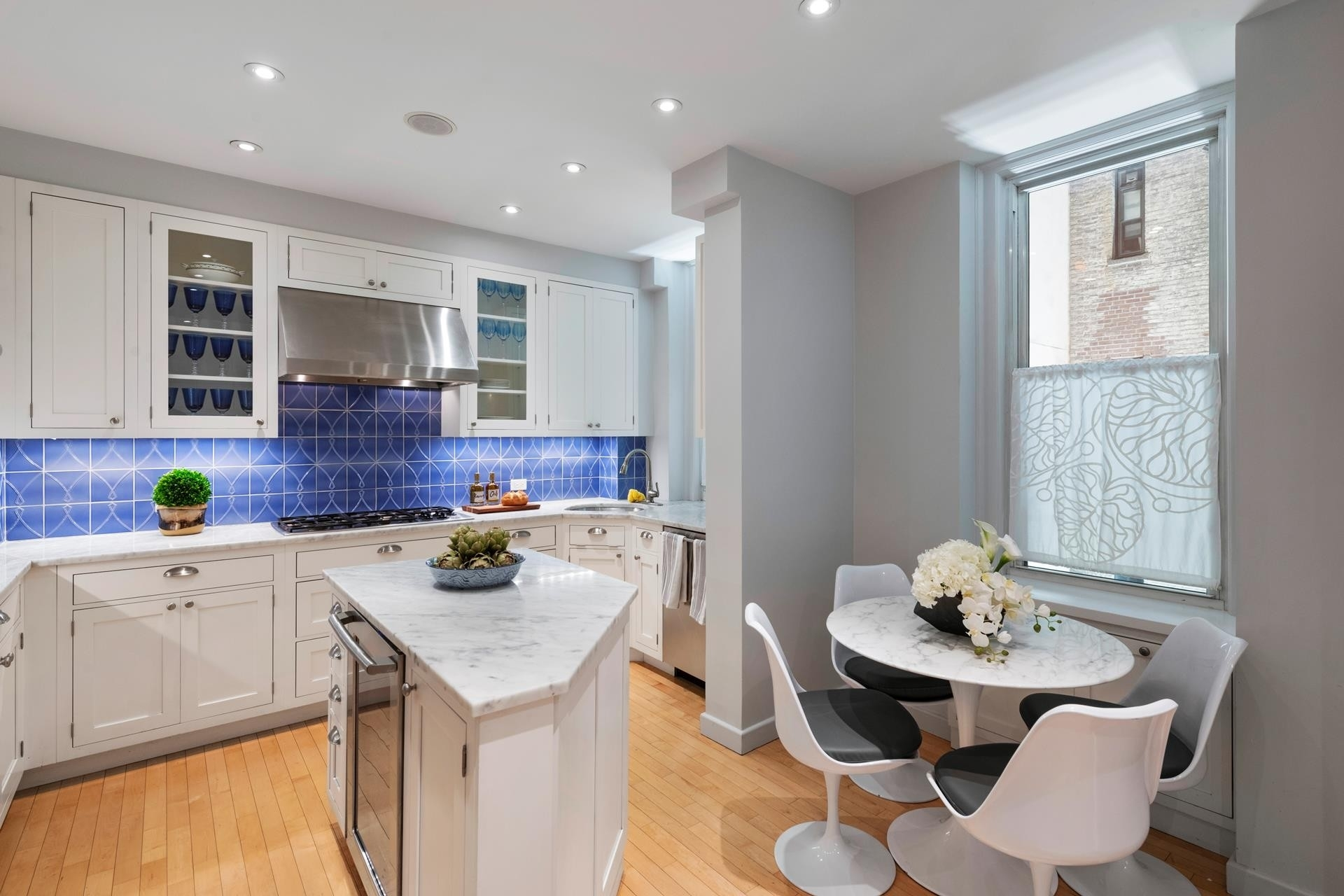 5. Co-op Properties for Sale at 161 East 79 Street Corp., 161 East 79th St, 3A Upper East Side, New York, NY 10021