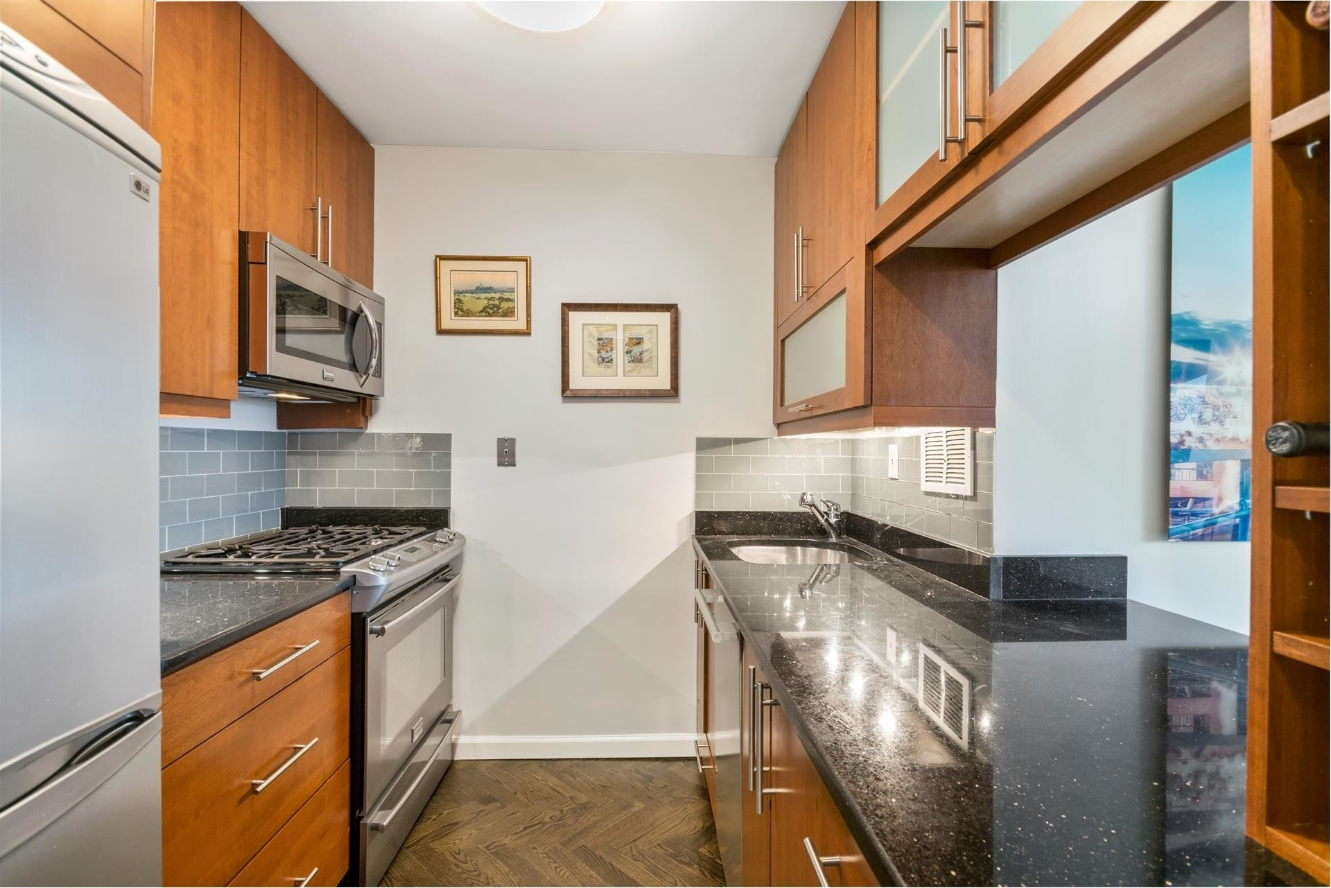 3. Condominiums for Sale at 45 West 67th St, 20F Lincoln Square, New York, NY 10023