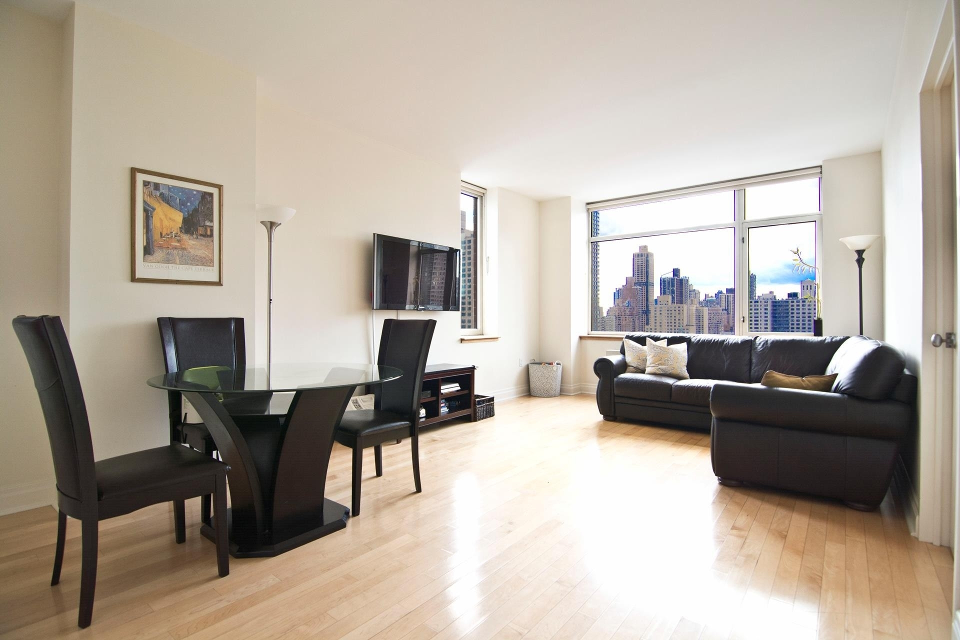Condominium at Chartwell House, 1760 Second Avenue, 20B Yorkville, New York, NY 10128
