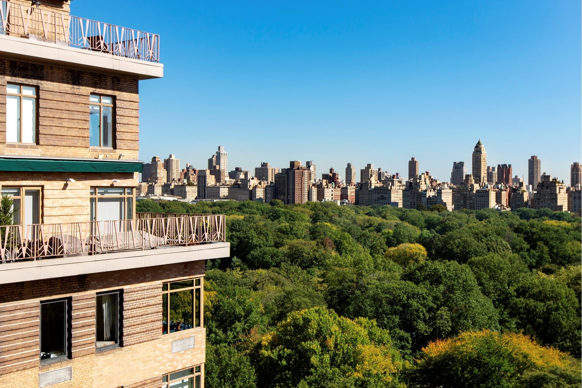 14. Co-op Properties для того Продажа на 101 Central Park West, 16G Lincoln Square, New York, NY 10023