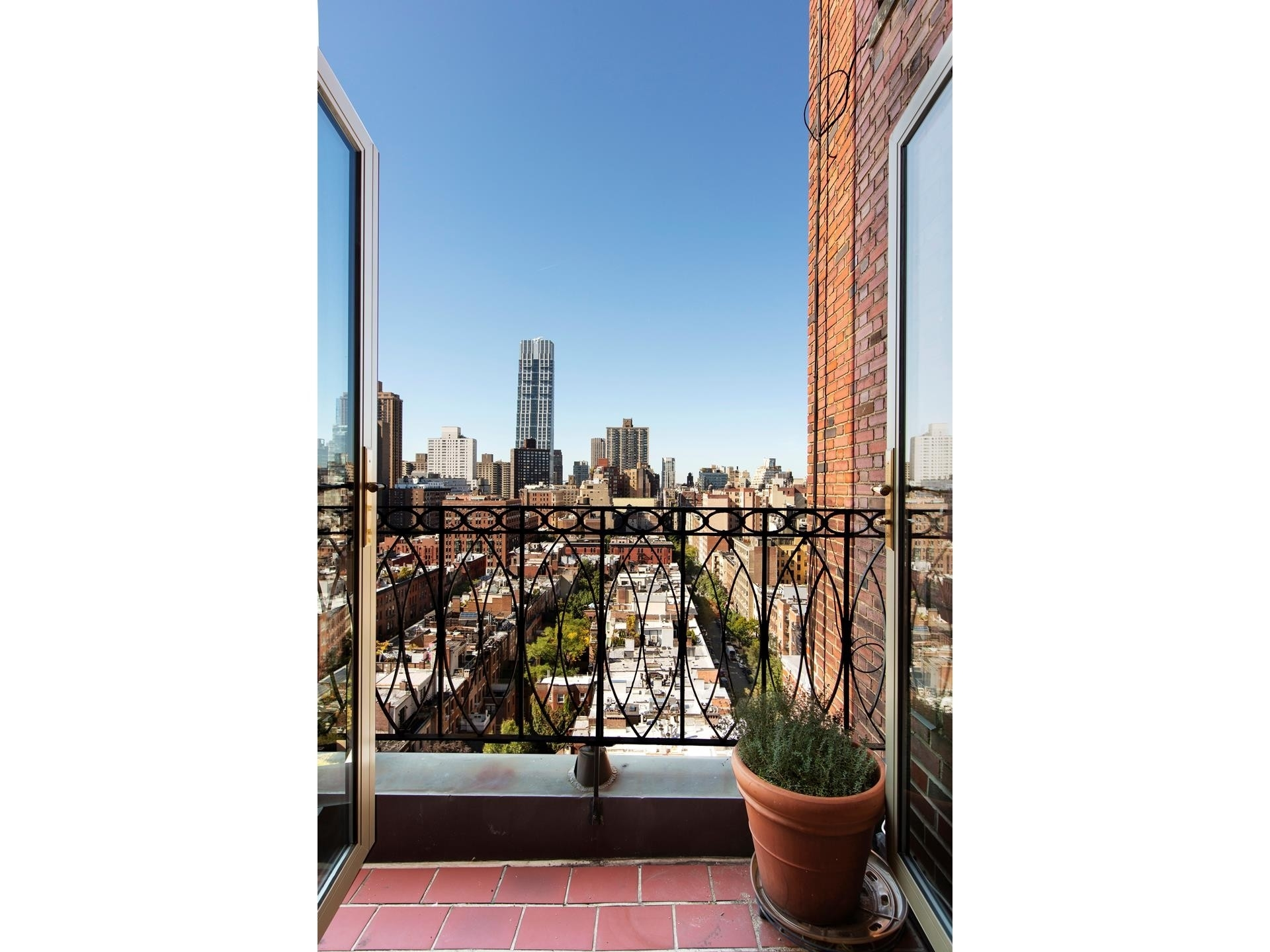5. Co-op Properties 為 特賣 在 101 Central Park West, 16G Lincoln Square, 纽约, NY 10023