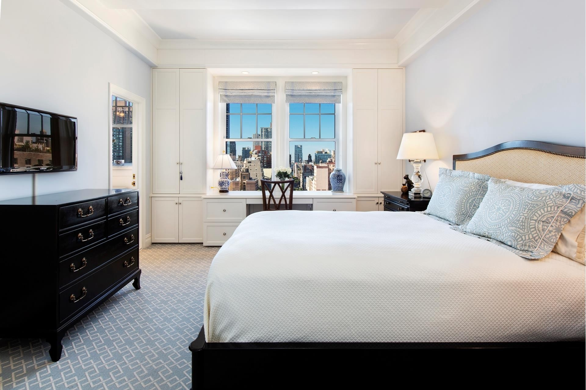9. Co-op Properties для того Продажа на 101 Central Park West, 16G Lincoln Square, New York, NY 10023